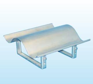 Kaminabdeckung aus Edelstahl, T = 625 mm, Stützenabstand 250 mm
