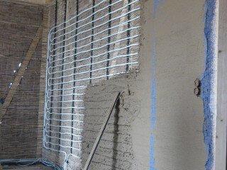 Wandheizung Flächenheizung Verlegung - Rohr an der Wand + Estrich